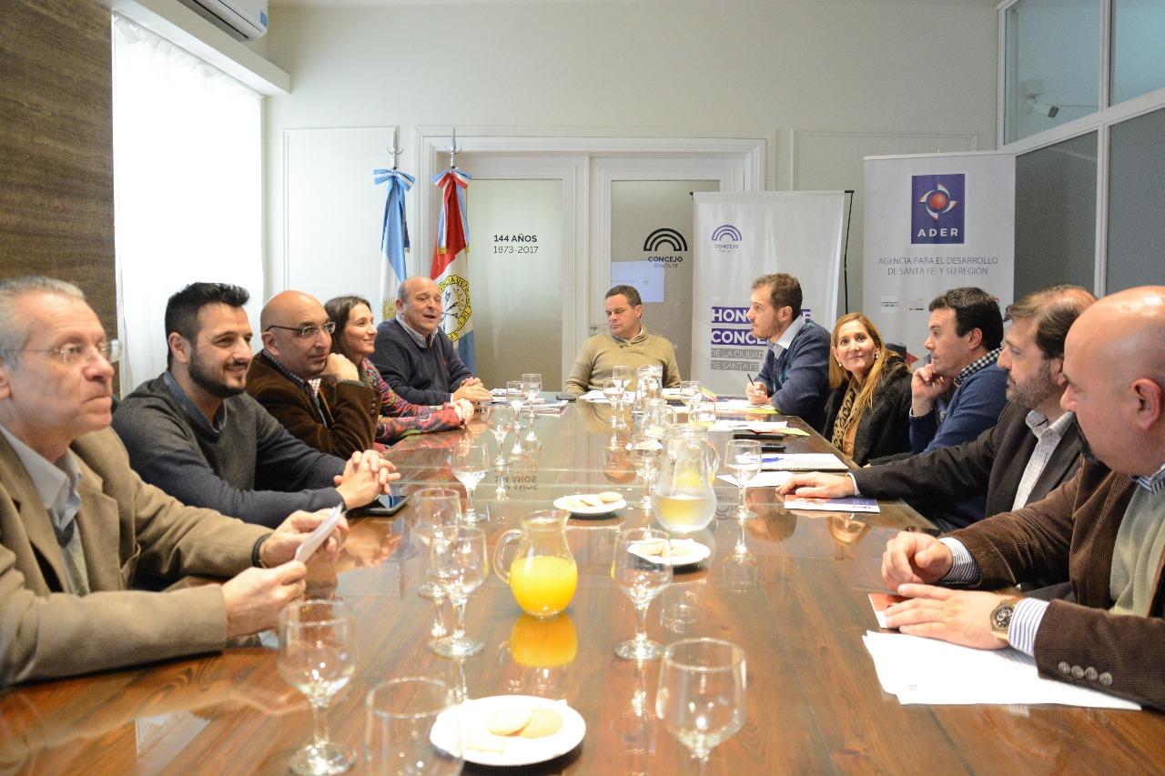 Miembros de ambas instituciones dialogaron sobre las nuevas lineas de financiamientos de la ADER